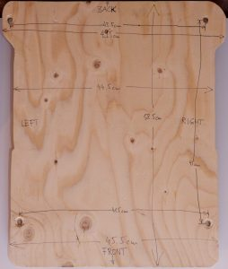 The board from below, with measurements in cm.